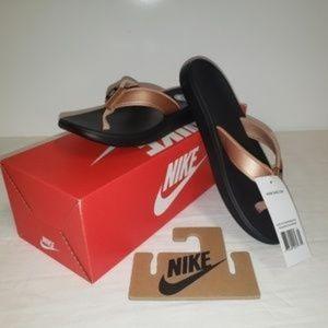 Nike Women's Bella Kai Thong Flip Flops